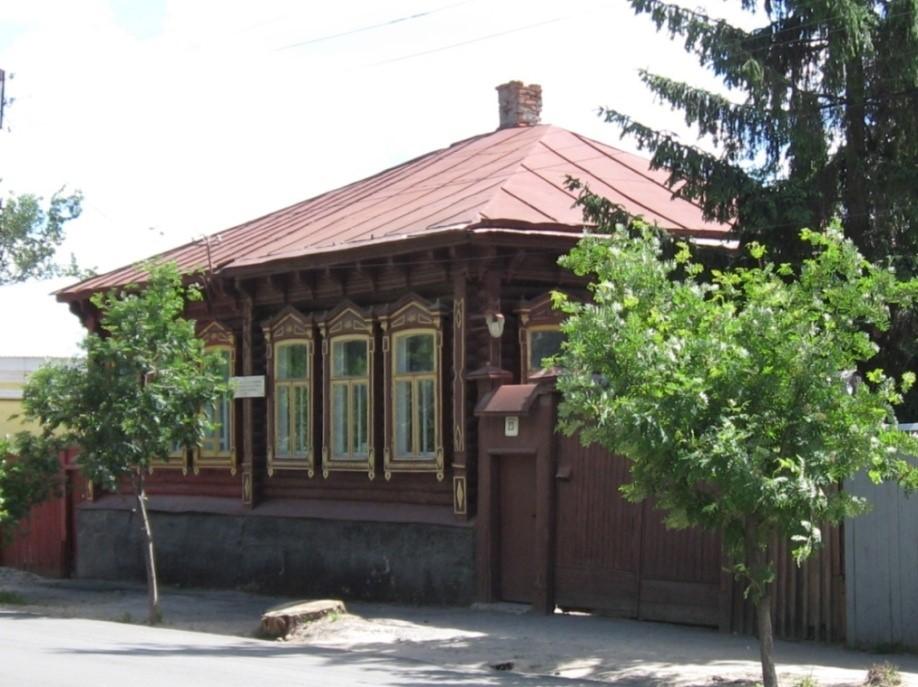 Бревенчатый жилой дом на улице Л.Толстого, дом  23